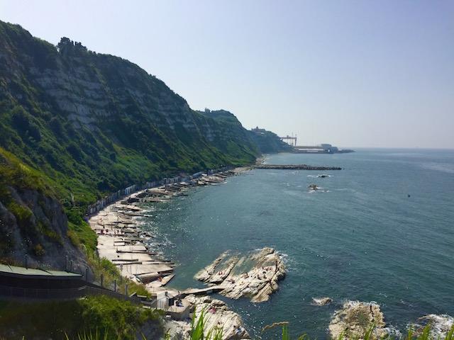 Фото пляжа Гротте дел Пассетто, Анкона, регион Марке, Италия