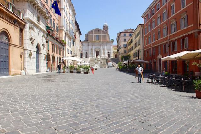 Фото площади Плебисцита в Анконе, регион Марке, Италия