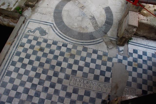 Фото мозаики римских терм в Анконе, регион Марке, Италия