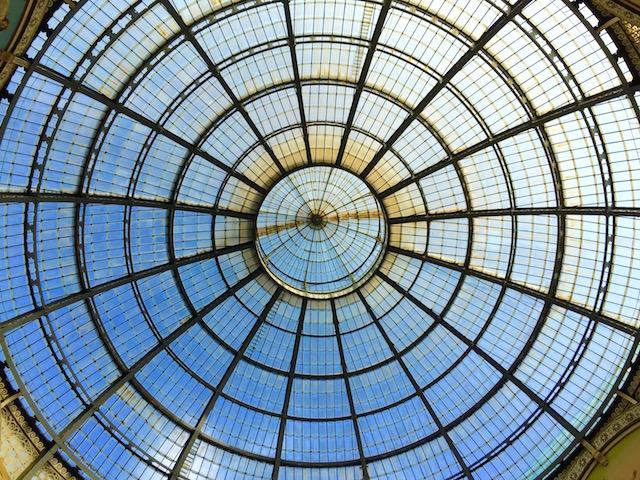 на фото Крыша галереи Витторио Эмануэле II в Милане