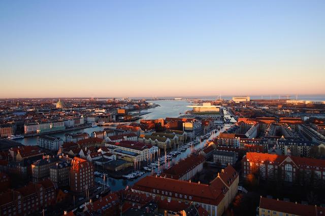 Вид на город с церкови Христа Спасителя Копенгаген