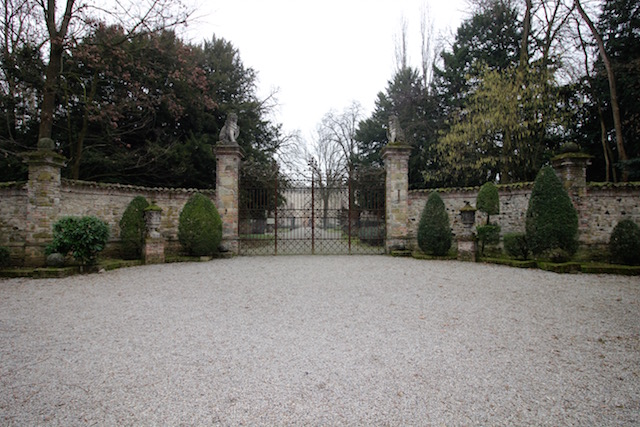 Замок в Граццано Висконти