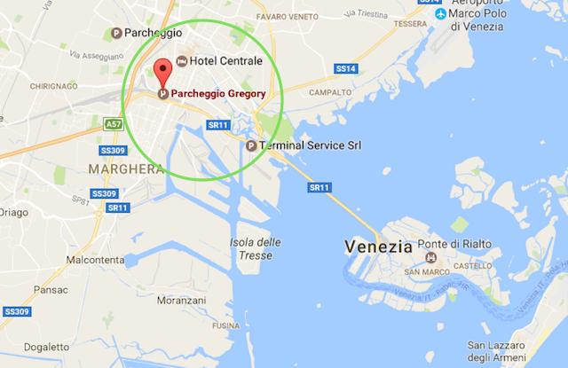 на фото карта пасположения парковки в Венеция Местре