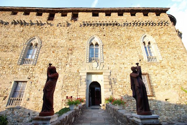 вход в замок Компьяно