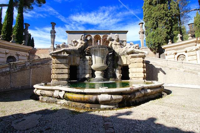 Парк в Палаццо Фарнезе