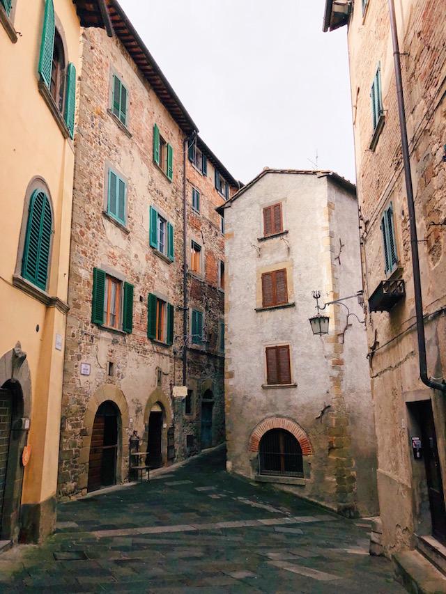 Блог о путешествиях по Италии Милы Пальяреччи Что посмотреть в Тоскане: средневековый Ангьяри Что посмотреть в Тоскане: средневековый Ангьяри samie crasievie goroda italii
