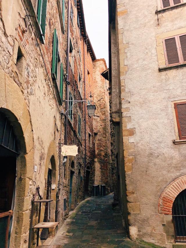 Блог о путешествиях по Италии Милы Пальяреччи Что посмотреть в Тоскане: средневековый Ангьяри Что посмотреть в Тоскане: средневековый Ангьяри toscana chto posmotreti anchiari