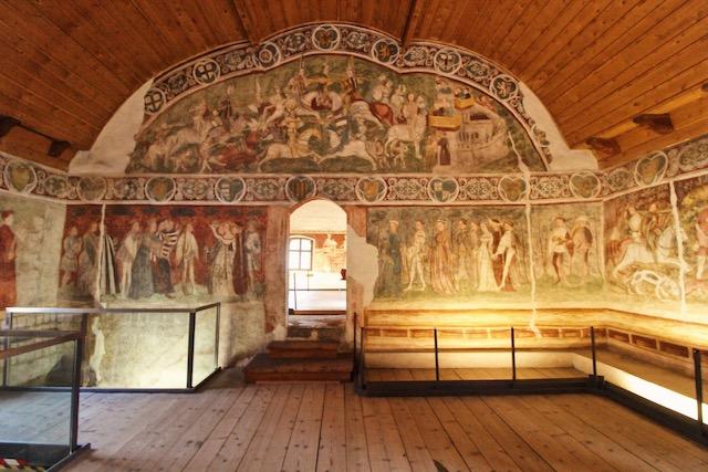 Фреска в зале турниров в замке Ронколо в Больцано