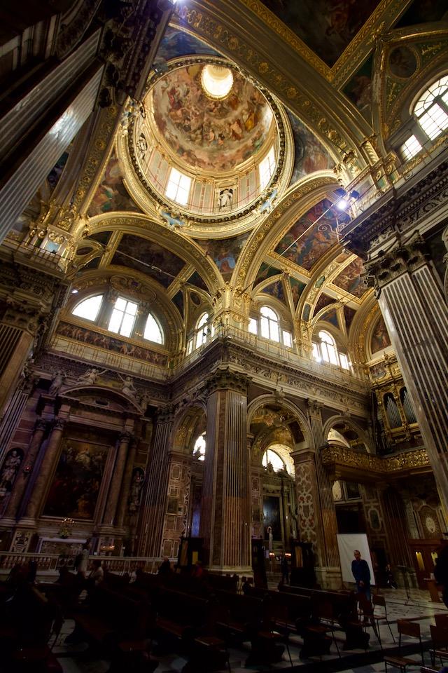 церковь Джезу в Генуе