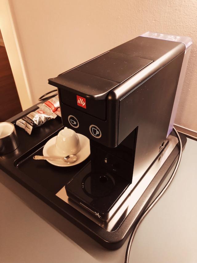 кофемашина Illy в апартаментах в Вероне