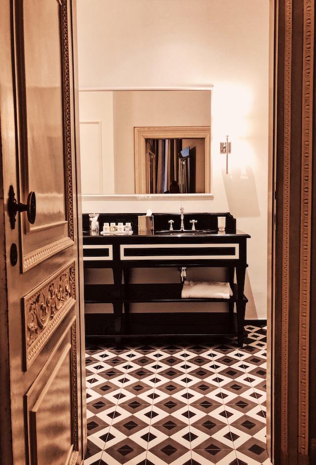 Ванная комната в апартаментах в Вероне Где остановиться в Вероне. butterfly boutique rooms Где остановиться в Вероне. Butterfly Boutique Rooms zabronirovat apartamenti verona