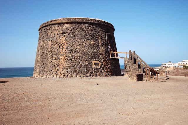 Замок в эль Котильо на Фуэртевентура