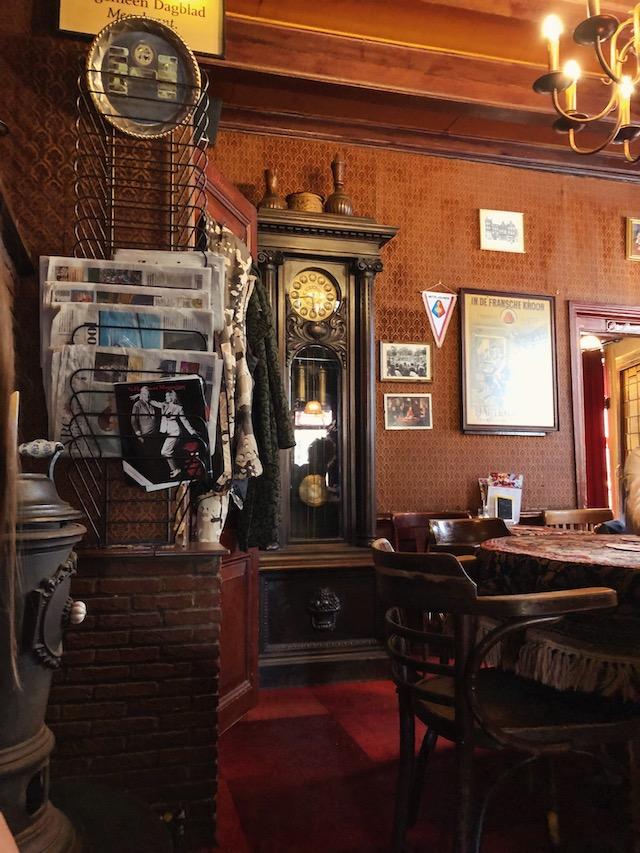 Старинный бар в центре Амстердама рестораны амстердама Рестораны в  Амстердаме.Где поесть вкусно и недорого? bari s istoriey v amsterdame