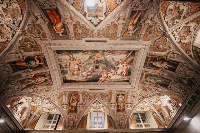 Фрески во Дворце Меридиана в Генуе
