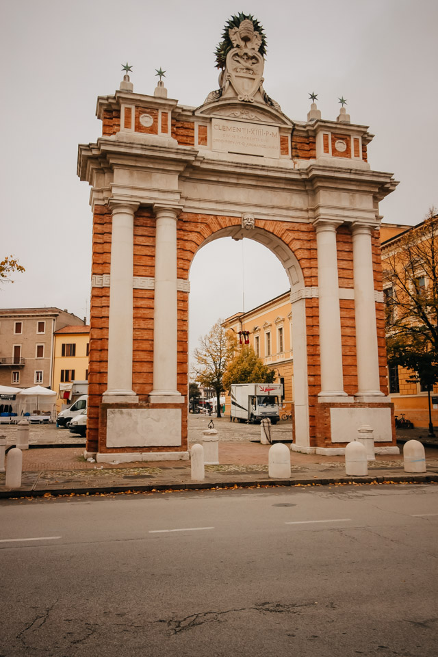 Арка Ганганелли в Сантарканджело