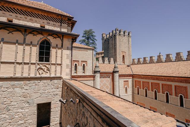 замок роккетта маттей рядом с болоньей