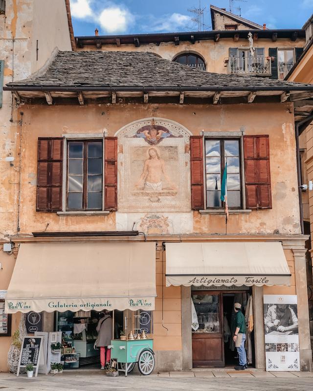 главная площадь Орта Сан Джулио – Piazza Motta