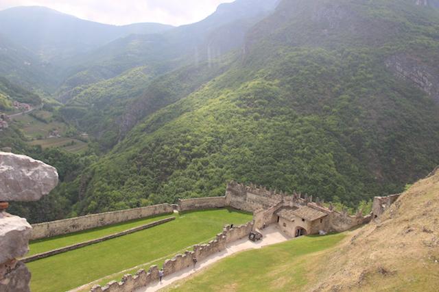Замки Трентино-Альто-Адидже. Castel Beseno