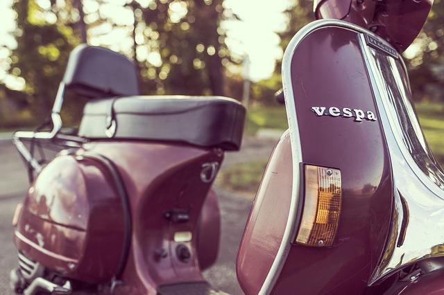 День рождения знаменитого мотороллера Vespa