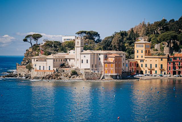 бухта тишины в городе сестри леванте в регионе Лигурия в Италии