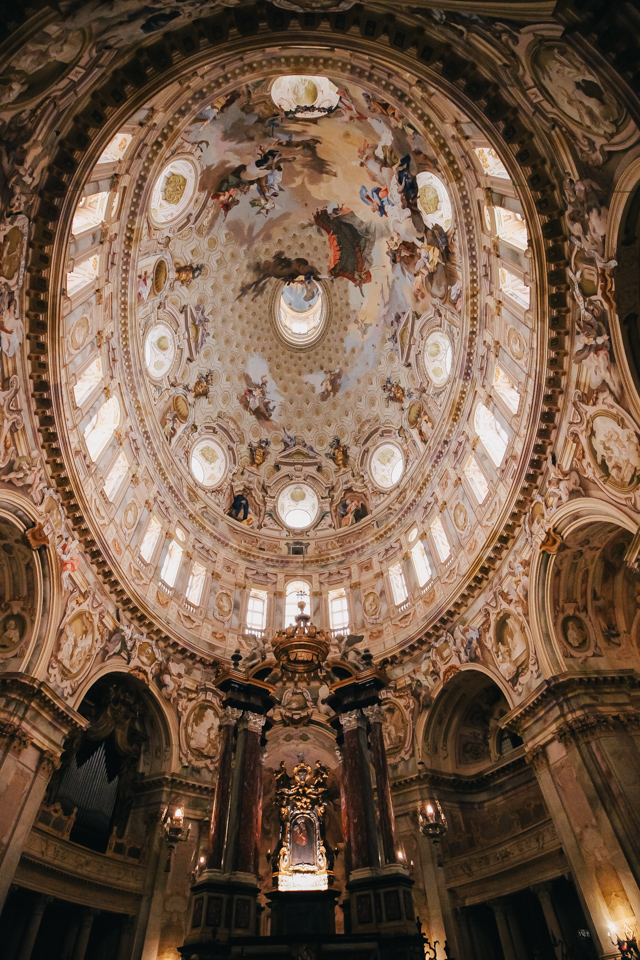 самый большой овальный купол в мире в храме Викофорте в Италии